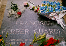 Lápida en el cementerio deMontjuic