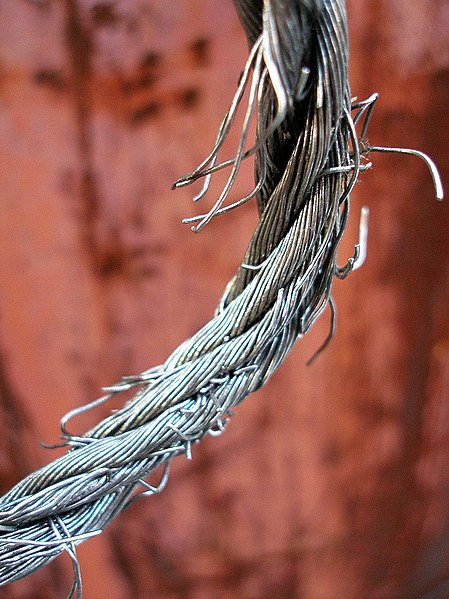 File:Fraying wire rope.jpg