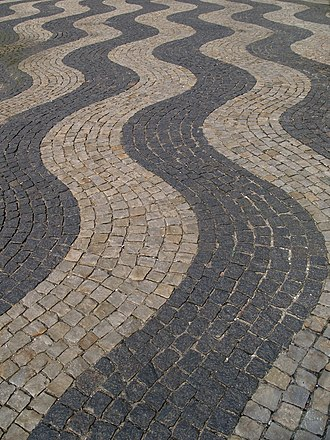 Frederiksberg Courthouse - The paving on the plaza