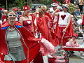 Fremont Solstice Parade 2007 - hearts 06.jpg