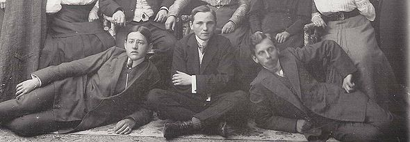 Friedrich Kellner in 1902, center, with cousins.jpg