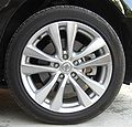 Front tire and wheel of NISSAN FUGA.jpg
