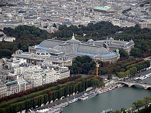 Image of the Grand Palais as seen from the Eiffel Tower\