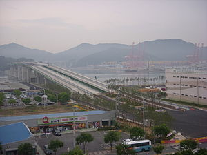 Gangseo District, Busan - Image: Gaduk Bridge constructing
