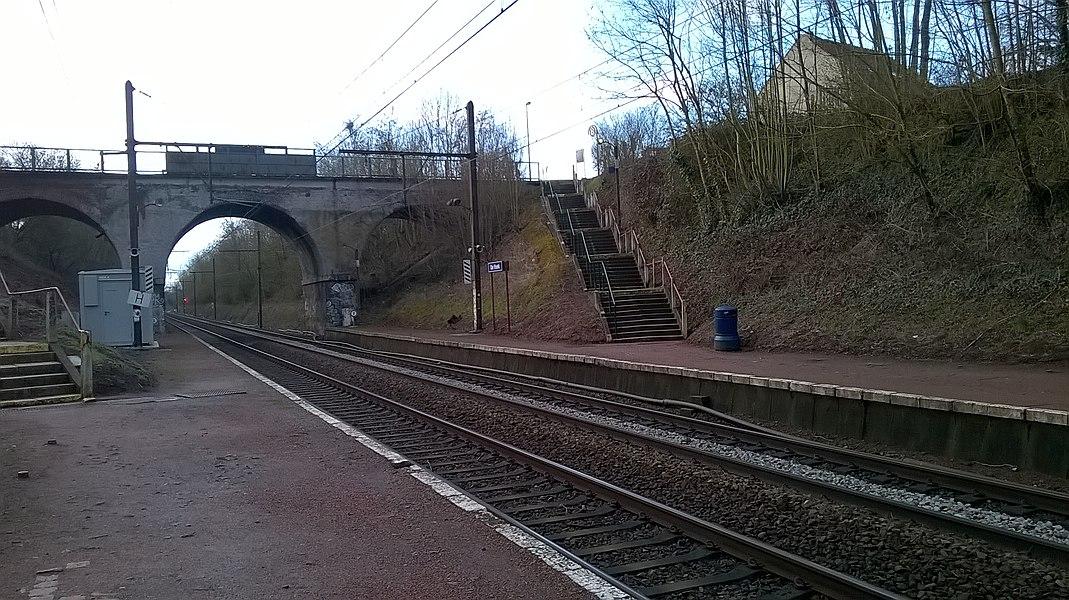 De Hoek Station (Rhode-Saint-Genèse, Belgium); March 2016