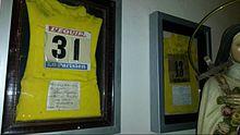 Le due maglie gialle indossate da Gino Bartali durante le vittorie del Tour de France. Ex voto del campione, sono custodite nella chiesa di Santa Petronilla a Siena.