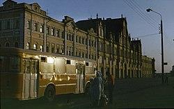 Gorky City. LiAZ-677 bus on Embankment.jpg