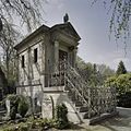 Grafhuisje Oscar Carré, met trap aan voorzijde - Amsterdam - 20409347 - RCE.jpg