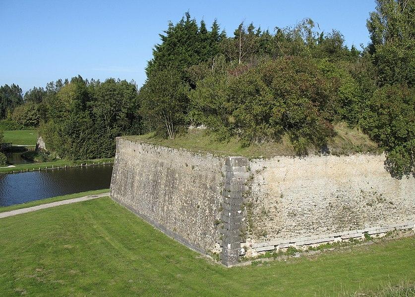 Gravelines (département du Nord, France): 18th century ramparts