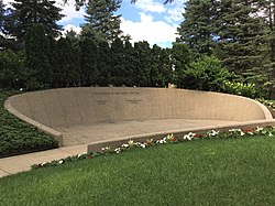 Gravesite of Gerald and Betty Ford 72019h.jpg
