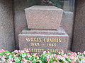Gravestone of Sydney Chaplin.jpg
