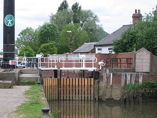 Grovehill Lock