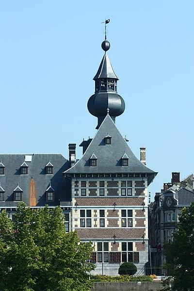 L'hôtel de ville de Visé, dans la province de Liège, en Belgique. Monument classé n°62108-CLT-0001-01.