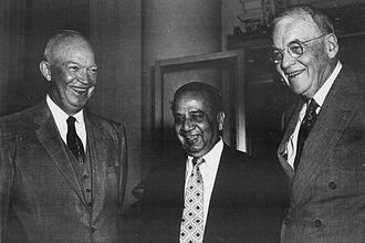Huseyn Shaheed Suhrawardy - Suhrawardy with US President Dwight D. Eisenhower (left) in 1957.