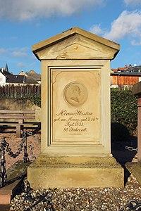 Hallgarten Rheingau Friedhof Grabmal Adam von Itzstein 1.jpg