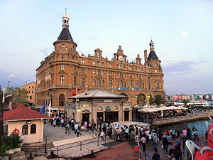 Haydarpaşa railway station - Haydarpaşa terminal after the fire that destroyed its roof in 2010