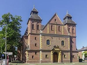 Herzogenrath - Image: Herzogenrath, katholische Pfarrkirche Sankt Gertrudis Dm 000001 01 foto 4 2015 08 30 12.31