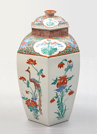Kakiemon - Kakiemon Imari ware hexagonal jar, flowering plant and phoenix design in overglaze enamel. Edo period, 17th century