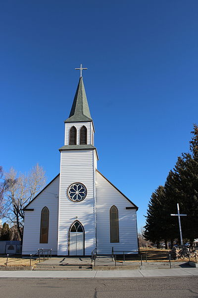 File:Holly Cross Catholic Church in Fort Macleod since 1898.JPG