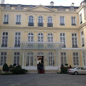 Hôtel d'Estrées - Facade and courtyard of the Hôtel d'Estrées