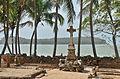 Ile Saint-Joseph - cimetière et île du Diable.jpg