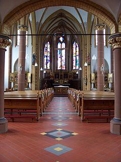 Innenansicht Pfarrkirche St. Evergislus in Bornheim-Brenig (Rheinland)