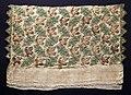 Italia, frammento in lino con ricami in seta e oro filato, 1575-1600 ca.jpg