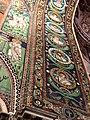 Italie, Ravenne, basilique San Vitale, mosaïque de l'intrados du grand arc montrant des médaillons d'apôtres et de saints (48087125267).jpg