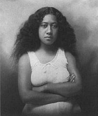J. J. Williams, Portrait of Hawaiian woman.jpg