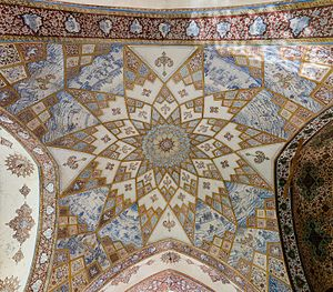Fin Garden - Detail of the ceiling of the Kushak.