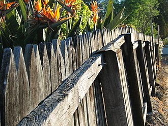 Picket fence - Image: Jarrah Fence gobeirne