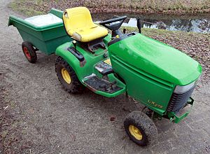 English: John Deere LX 279 riding mower (lawn ...