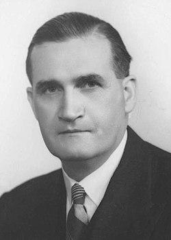 John McEwen 1950 (cropped).jpg