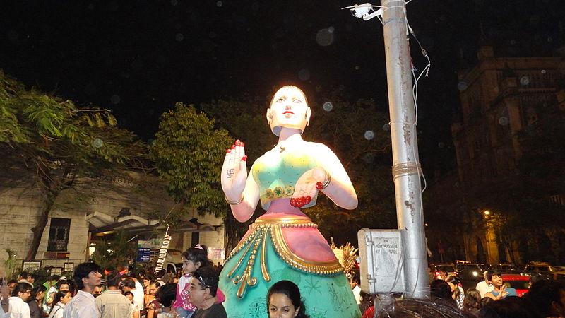 File:Kala Ghoda festival 2012-4.JPG