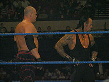 Kane (solda) ve The Undertaker (sağda)