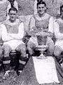 Karl Adamek (G.) en 1933 au FK Austria de Vienne (victoire en coupe d'Autriche; D. Johann Billich).jpg