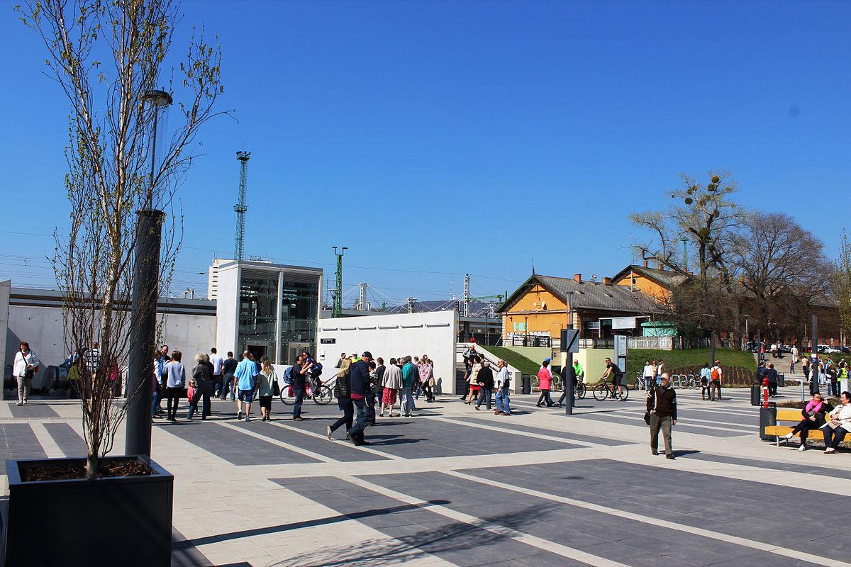 budapest kelenföldi pályaudvar térkép Kelenföld vasútállomás (metróállomás) – Wikipédia budapest kelenföldi pályaudvar térkép
