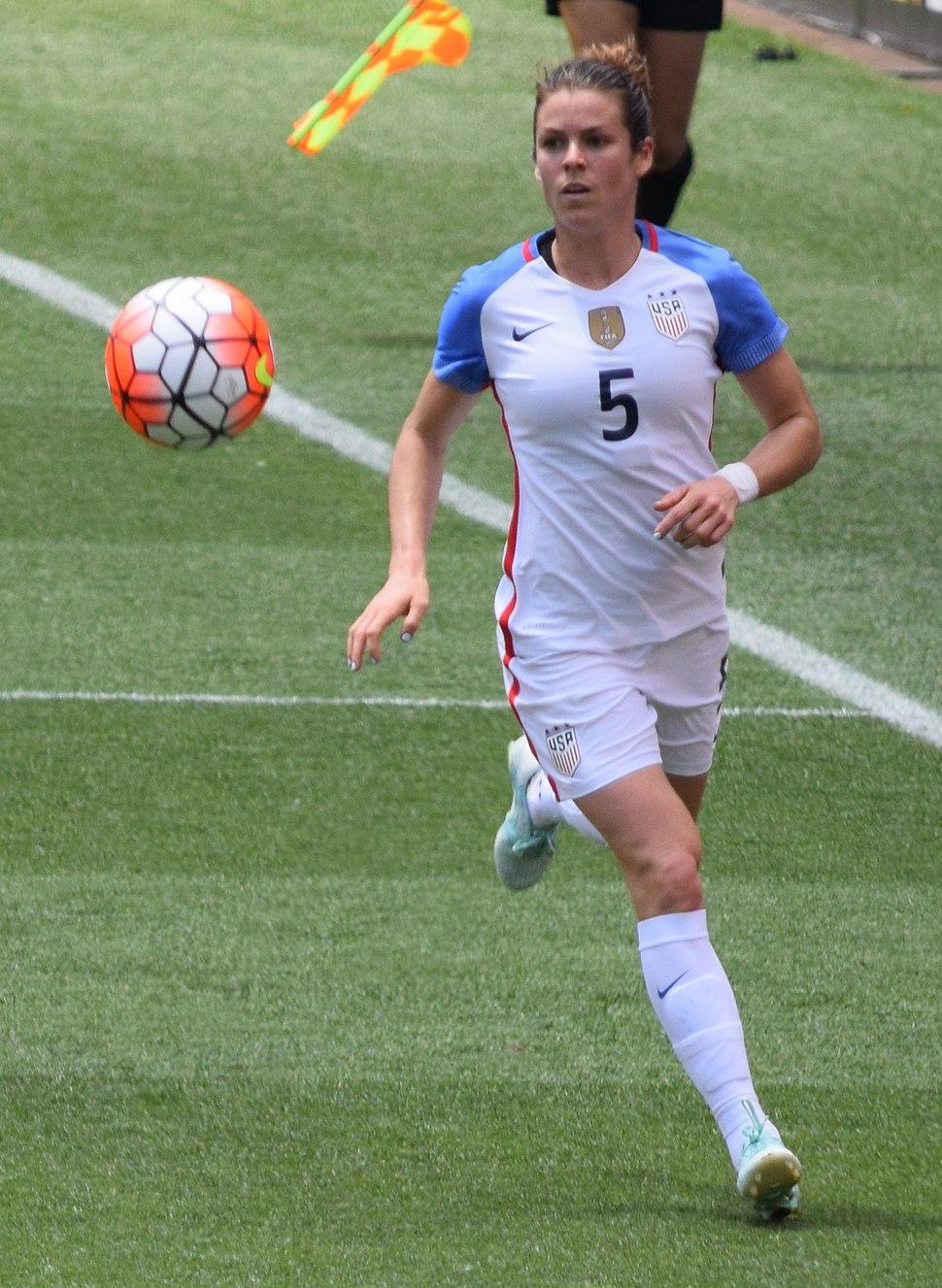 O'Hara running on a soccer field