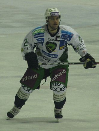 Kevin Mitchell (ice hockey) - Image: Kevin Mitchell 291109