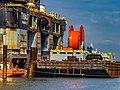 Kraanwerkschip Thialf en ponton - Calandkanaal - Port of Rotterdam (26112739253).jpg