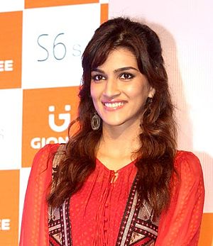 1: Nenokkadine - Image: Kriti Sanon at Gionees Mobile phone launch