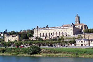 La Réole - Château Prieuré et Eglise de La Réole en bord de Garonne