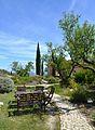 La Vall de Laguar, jardí d'una casa rural.JPG