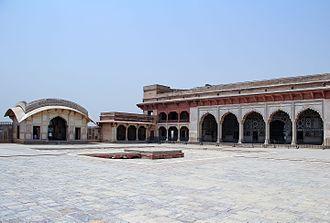 Naulakha Pavilion - The pavilion is adjacent to the Sheesh Mahal in the Shah Burj Quadrangle of the Lahore Fort.