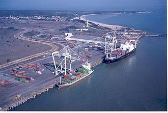 Le Verdon-sur-Mer - Container ships