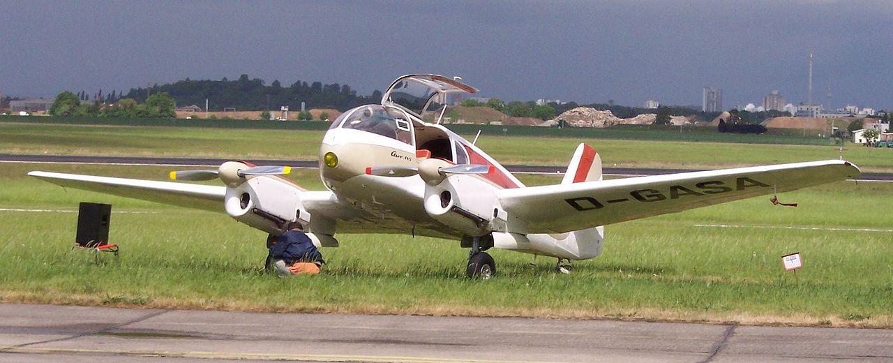 Aero 45 series 1280px-Let_Aero_Ae-145_Super_Aero_vl