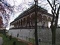 Letohrádek královny Anny, východní strana.jpg