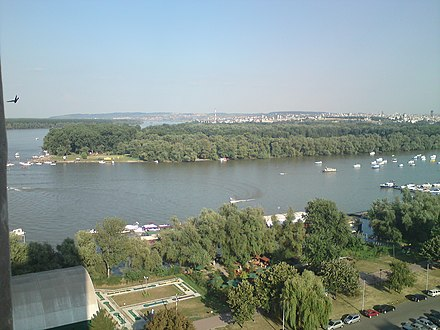 Great War Island, Belgrade, as seen from Zemun, Serbia. It is located at the confluence of the Sava and Danube. Lido Zemun View.JPG