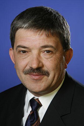 Mecklenburg-Vorpommern state election, 2011 - Image: Lorenz Caffier Porträt
