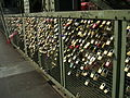 Love padlocks Cologne 03.jpg